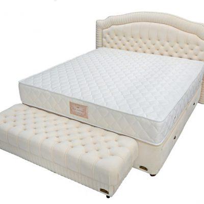 спалня Паола