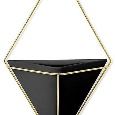 """UMBRA Декорация за стена """"TRIGG"""" - голяма  - цвят черен / месинг мат"""